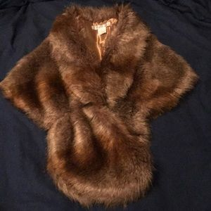 NWT Faux Fur wrap